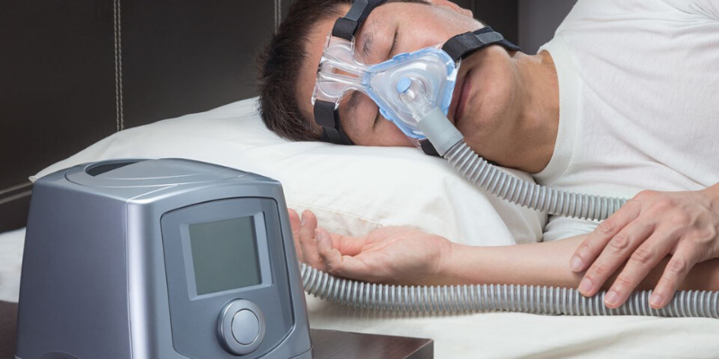 woman-using-cpap-machine